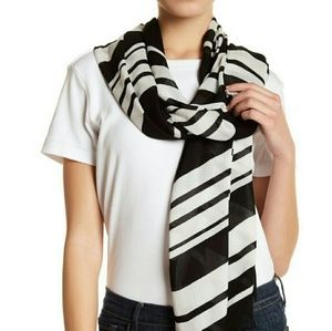 Brand New With Tags Kate Spade Frayed Scarf